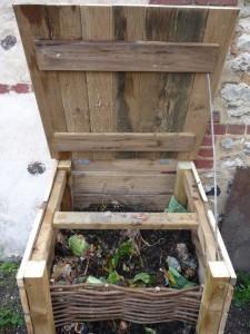 composteur jardin en bois